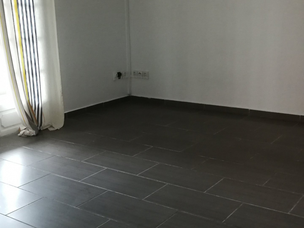 AGENCE IMMOBILIERE BOURBONNAISE, LOCATION Appartements T4, ref. : 2128 / 707481